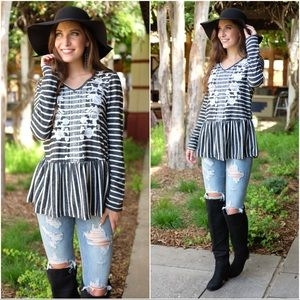 ✨LAST ONE✨Charcoal striped  embroidery tunic